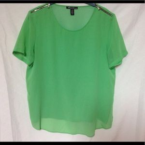 3/$15 Kenneth Cole - Green  Short Sleeve Blouse